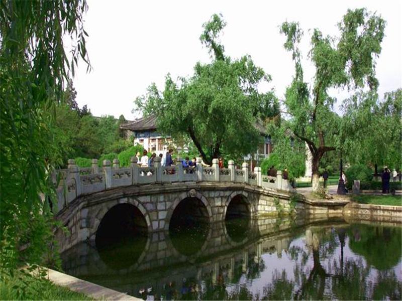 北京大学校友桥