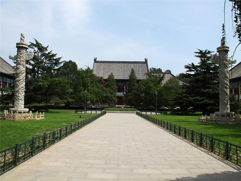 北京大学左右华表