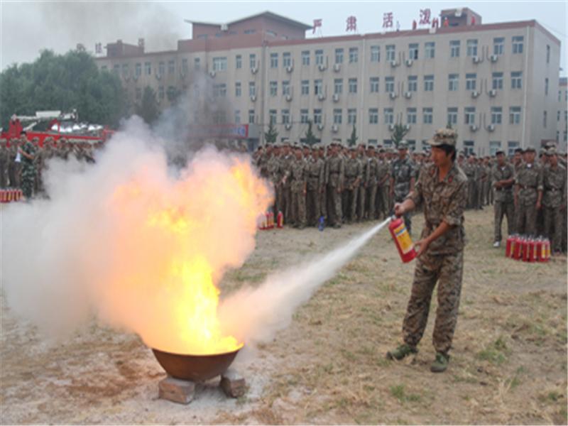 北大学子消防演练活动